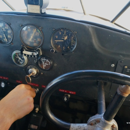 TAYLORCRAFT COCKPIT
